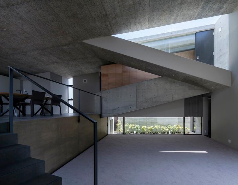 shogo-aratani-architect-and-associates-house-in-hyogo-designboom-04 (1)