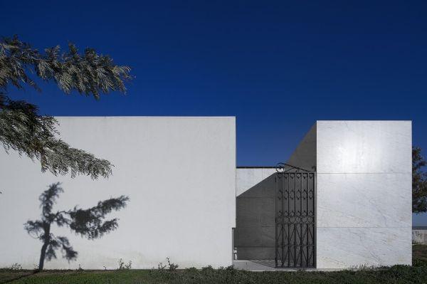 葡萄牙阿兰德拉某殡仪馆  Matos Gameiro Arquitectos 殡仪馆 (9)