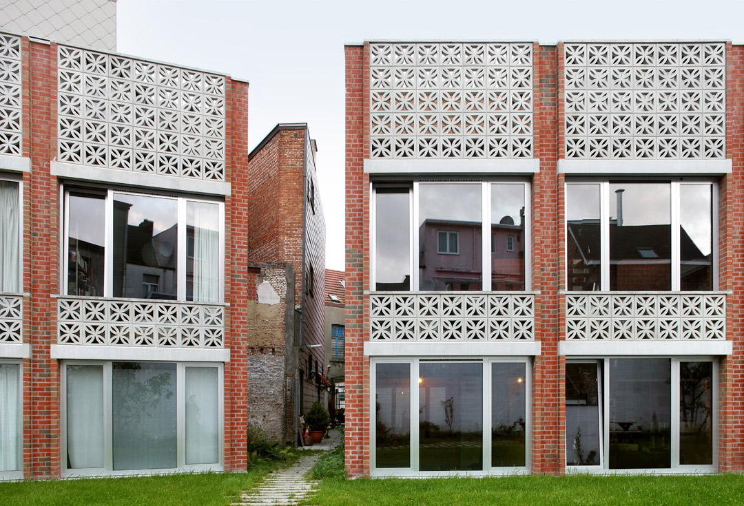 三栋住宅、一个办公室、一个庭院Mixed use infill 3 houses and an office  Collectief Noord  (1)