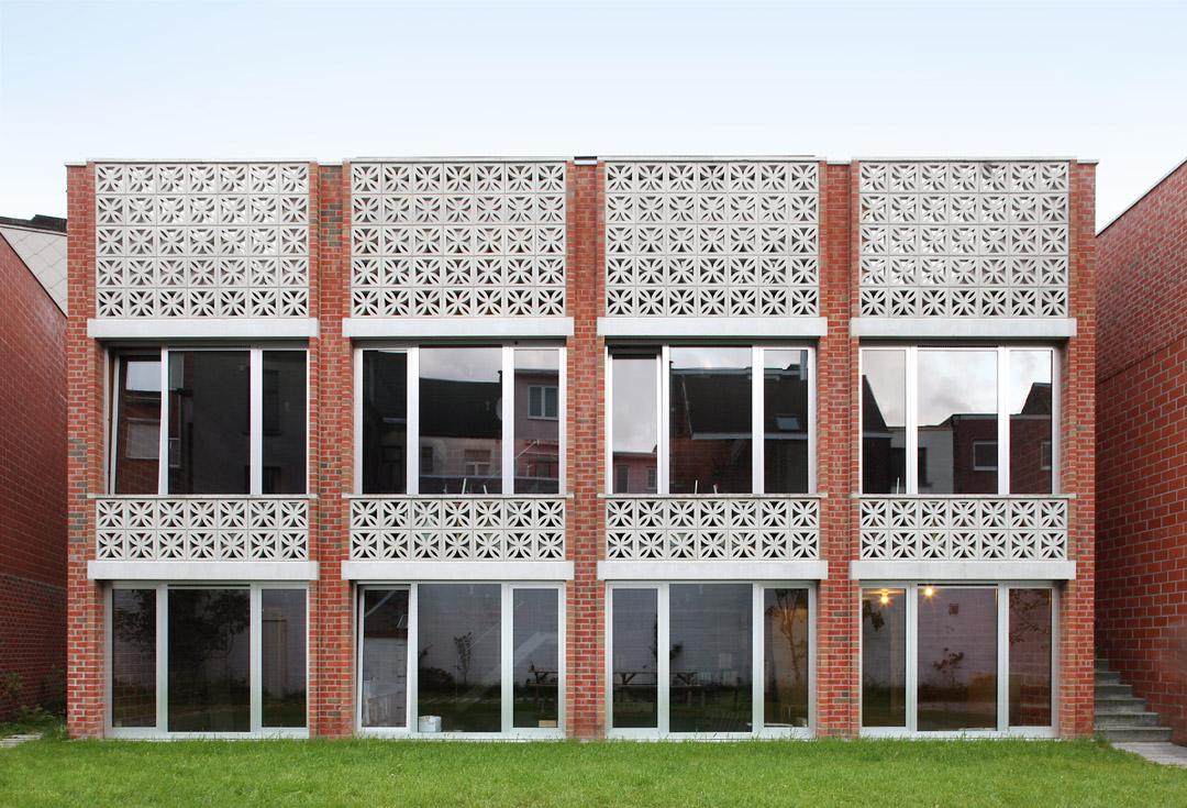 三栋住宅、一个办公室、一个庭院Mixed use infill 3 houses and an office  Collectief Noord  (7)