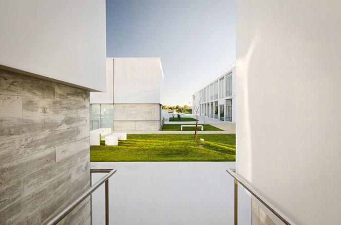 阿维罗社会福利综合体Social Complex in AlcabidecheGuedes Cruz Architecs (30)
