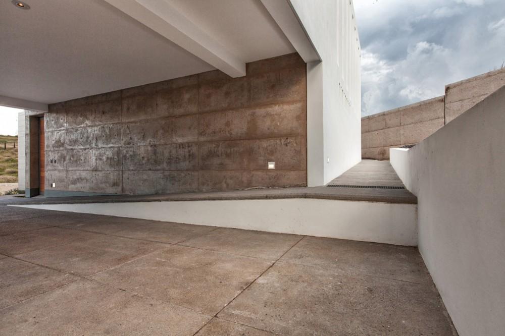 墨西哥拉科利纳住宅La ColinaFANARQ + THAA (12)