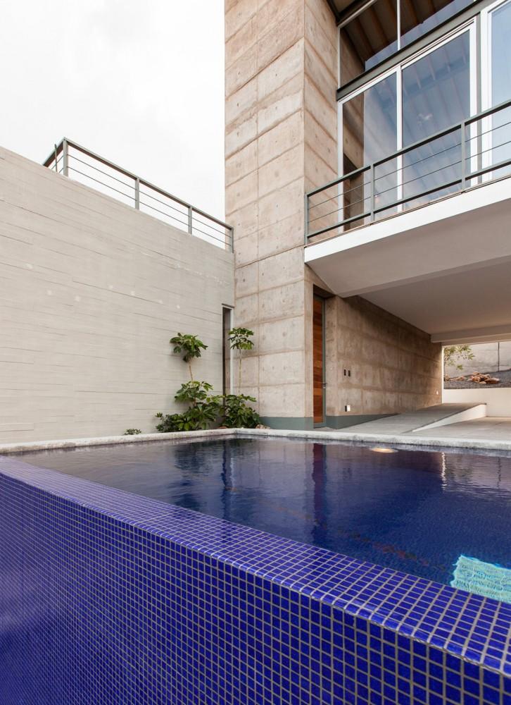 墨西哥拉科利纳住宅La ColinaFANARQ + THAA (16)