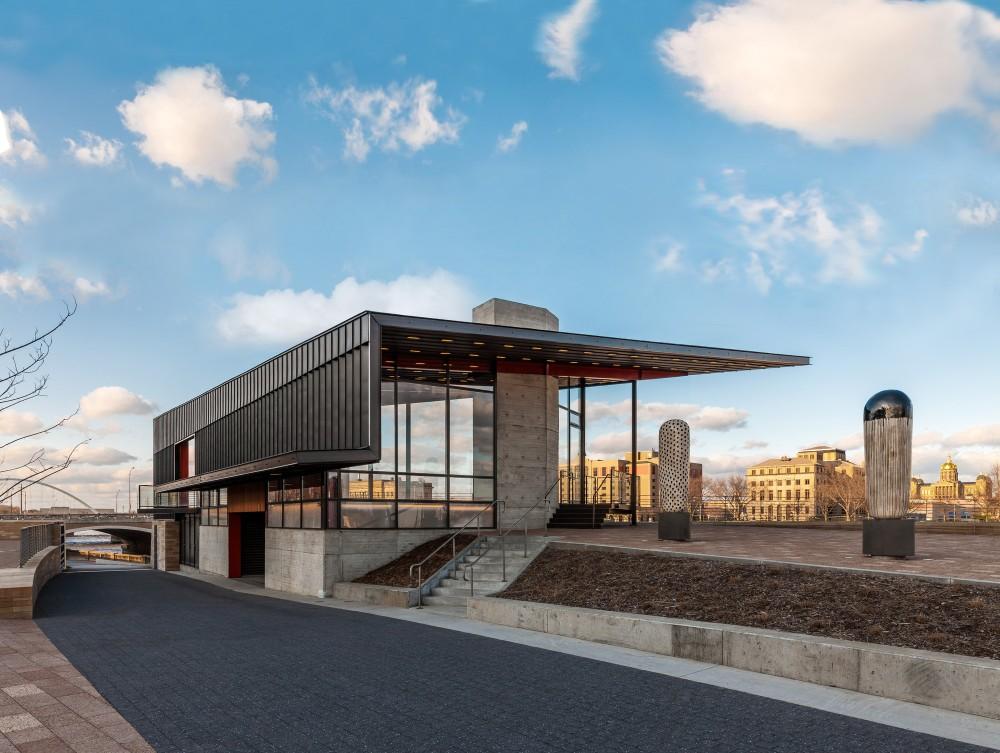 美国爱荷华州得梅因主河滨项目中心景点Substance Architecture (12)