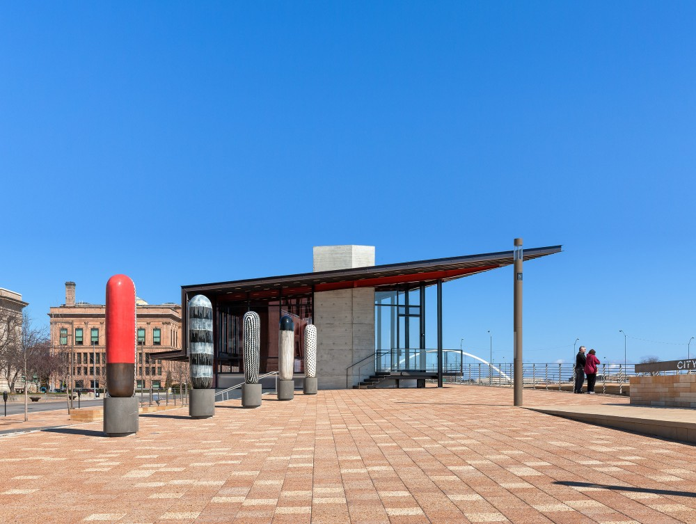 美国爱荷华州得梅因主河滨项目中心景点Substance Architecture (15)
