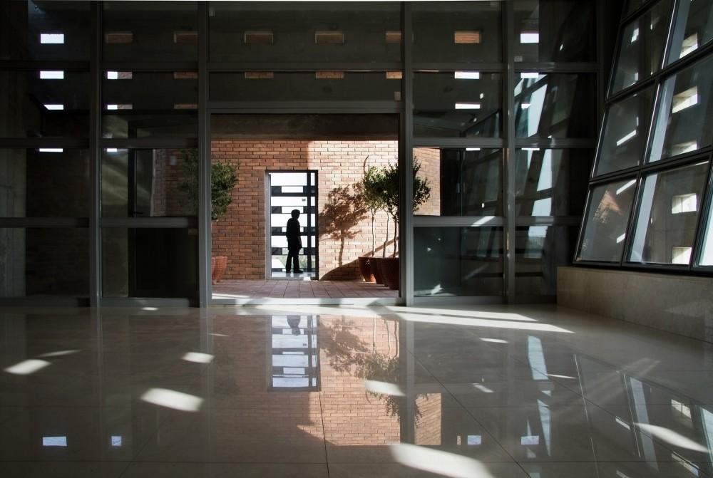 伊朗加兹温建筑工程条例规划办公楼  (12)