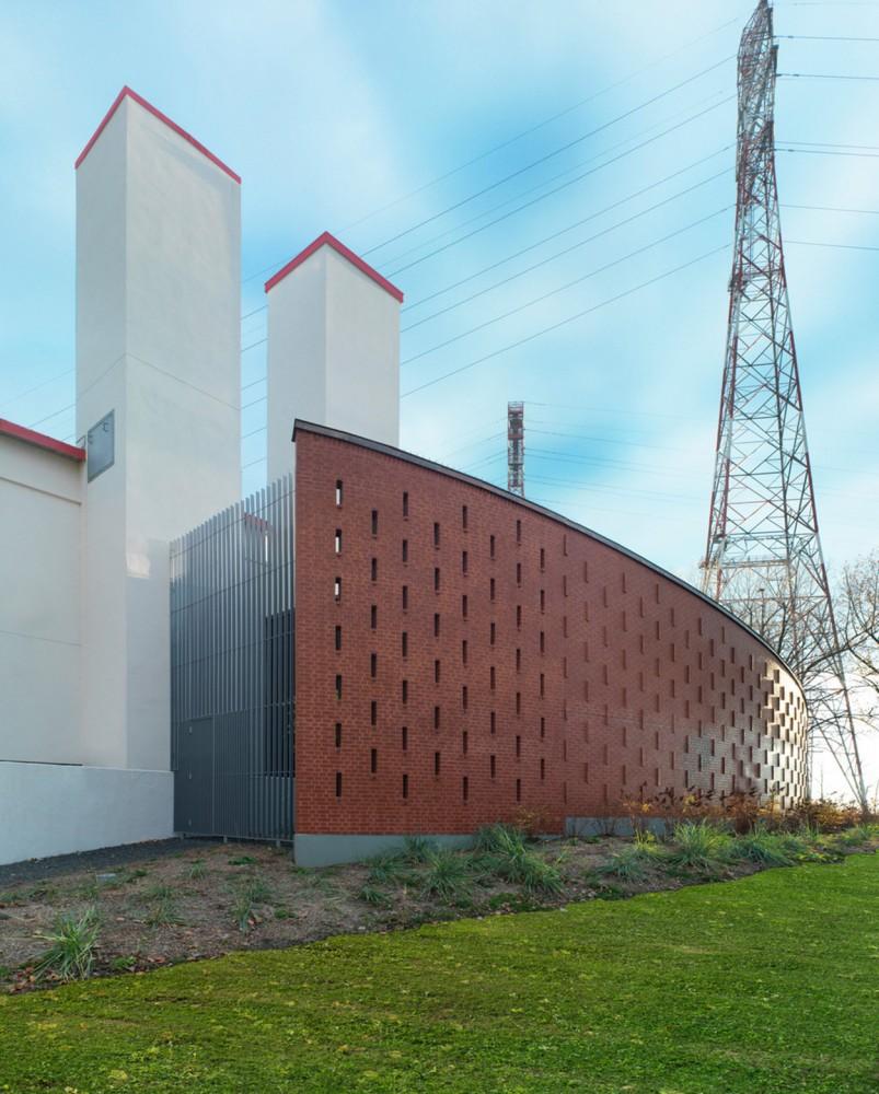 加拿大蒙特利尔拉萨尔水务设施大楼 (1)
