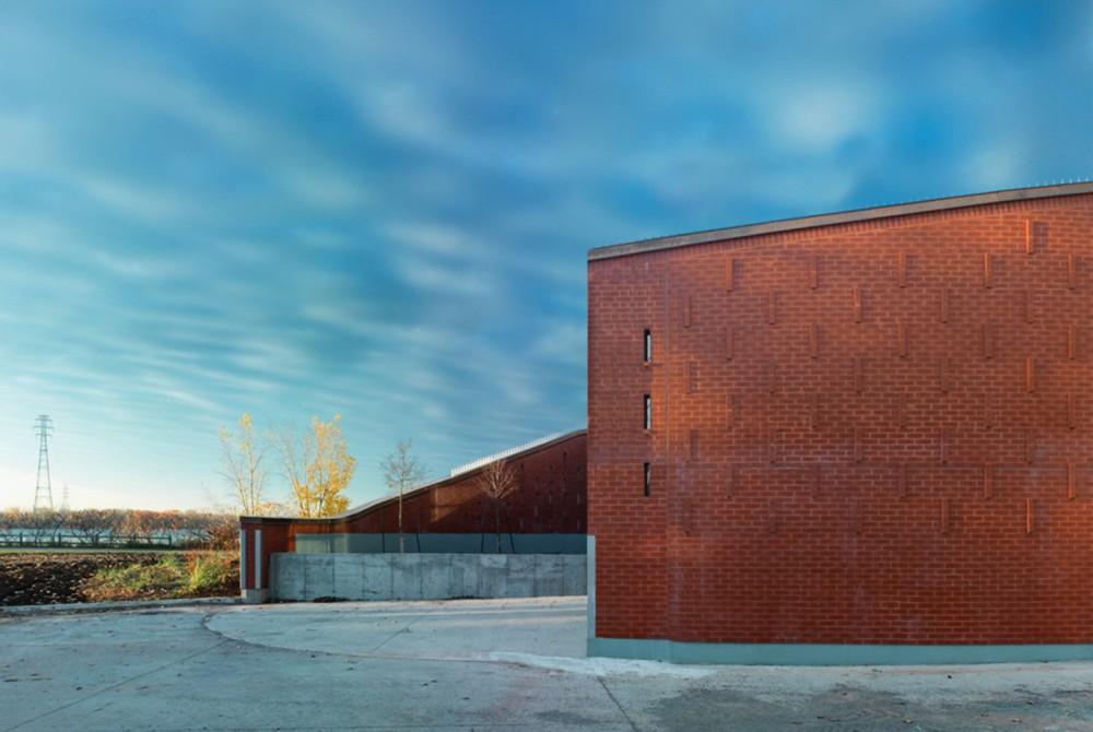 加拿大蒙特利尔拉萨尔水务设施大楼 (9)